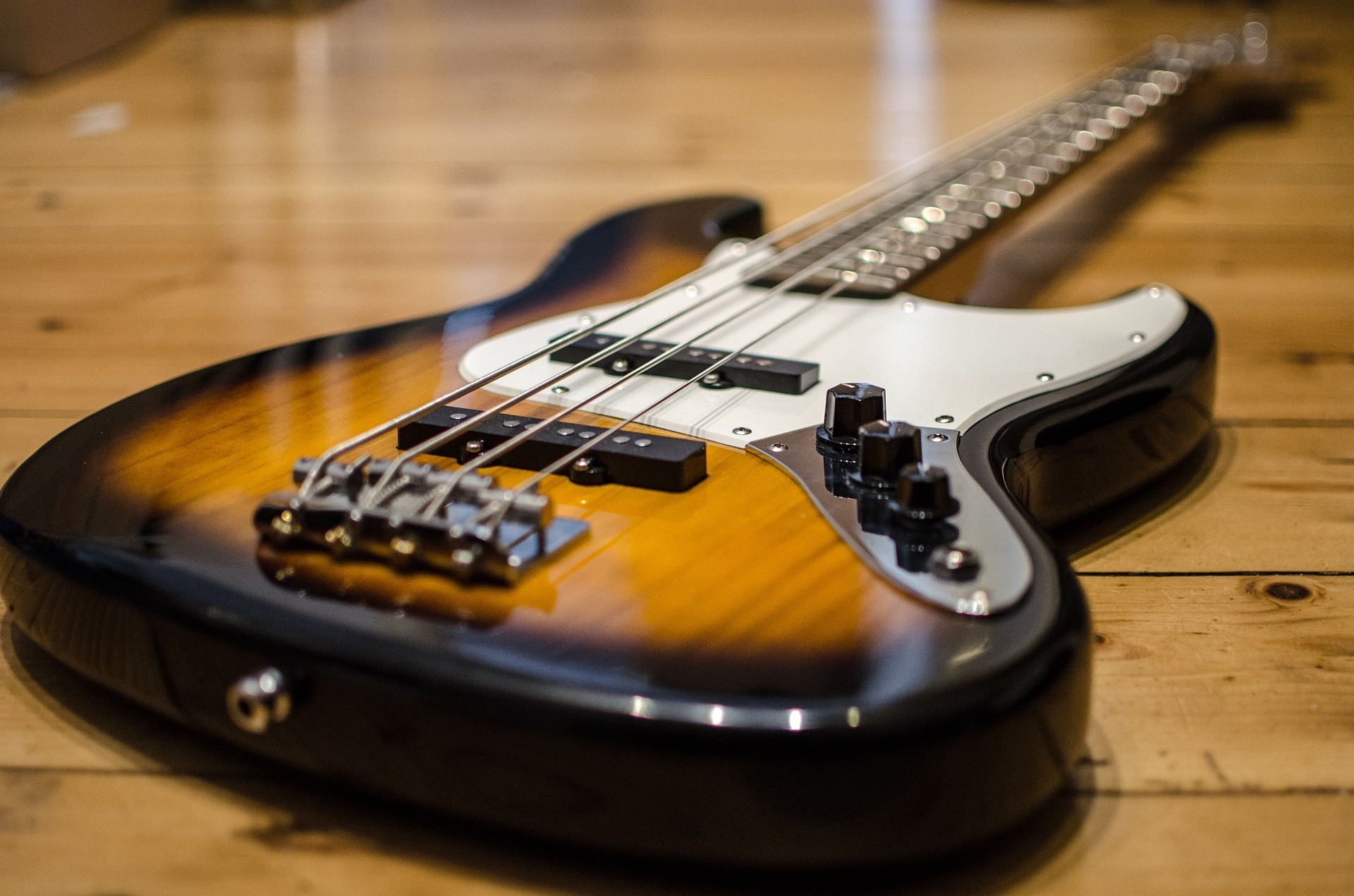 中古のギターやベースってどうなの?買う時にチェックするべき項目をまとめてみたよ