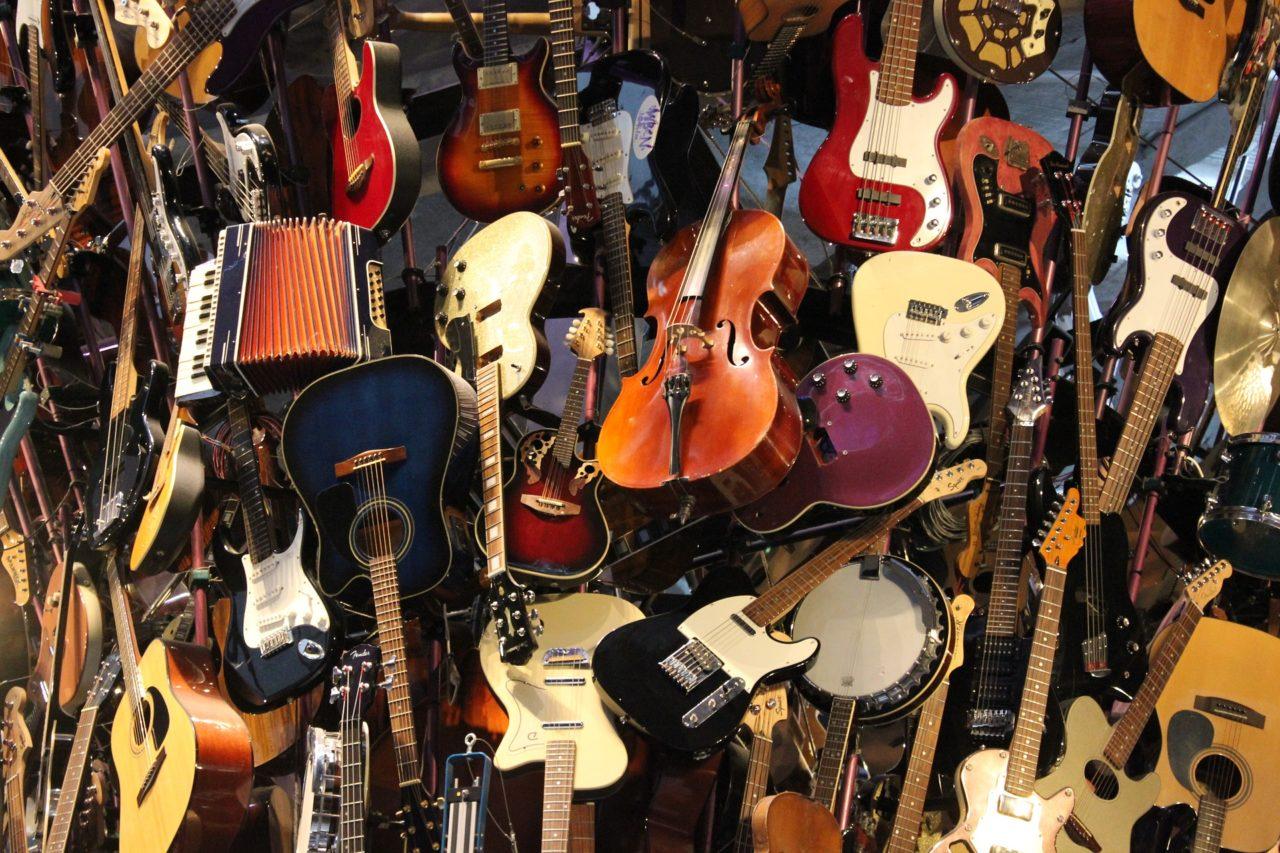 ギターを通販で買うのはアリ?それともナシ?ネットで買うことのメリットとデメリット