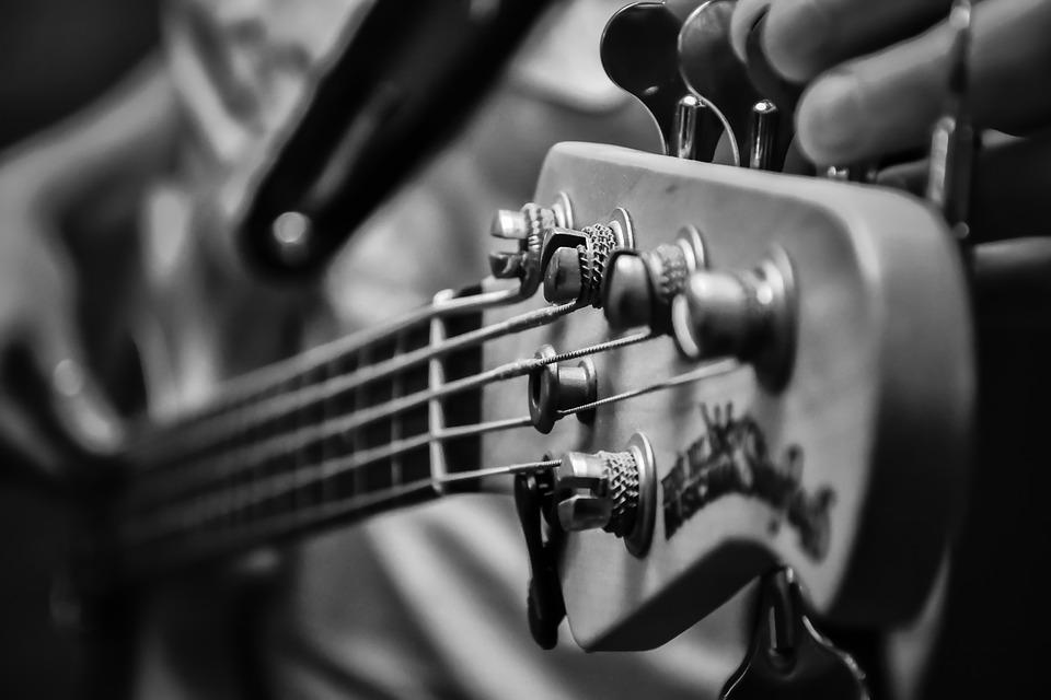 どれを買えばいいの?本当に役に立ったギターの教則本を紹介します!