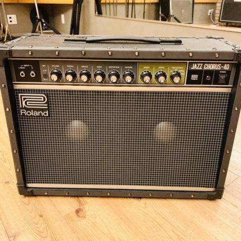【レビュー】自宅の練習用アンプとして「Roland JC-40」を購入しました。