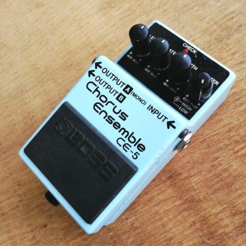 【レビュー】BOSS CE-5は無個性だからこそ最高に使えるコーラスだと思う