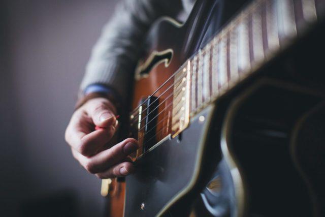 初心者でも必ず弾ける!アルペジオの弾き方と練習方法を解説するよ